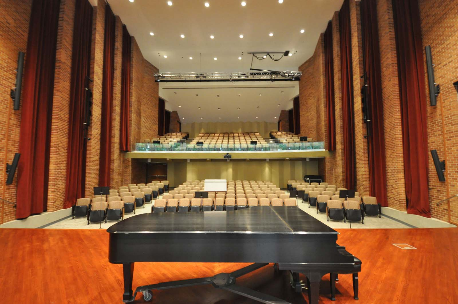 Stella Boyle Smith Concert Hall  UA Little Rock  View Project →
