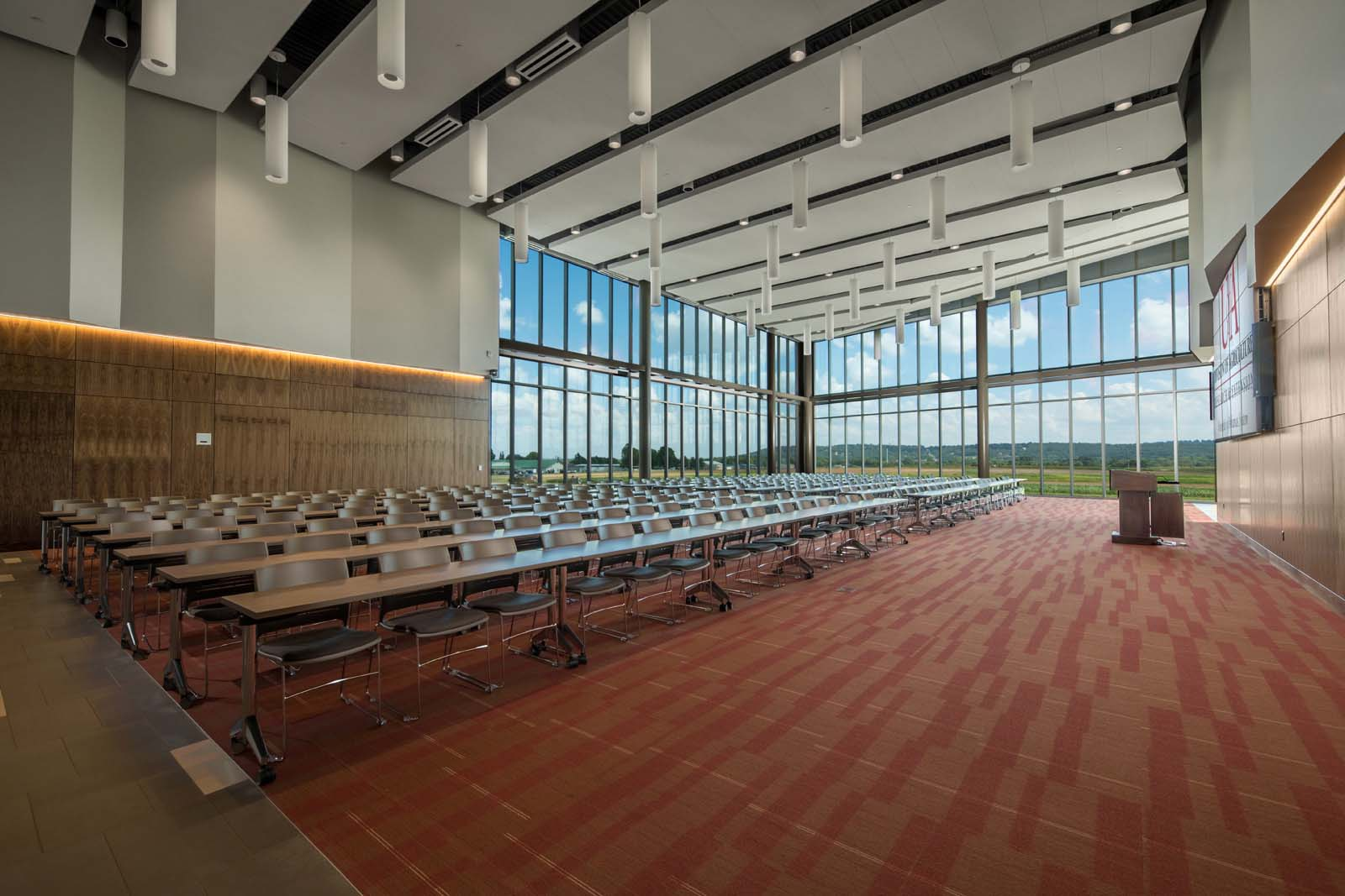 Don Tyson Center for Agricultural Sciences  University of Arkansas  VIEW PROJECT →