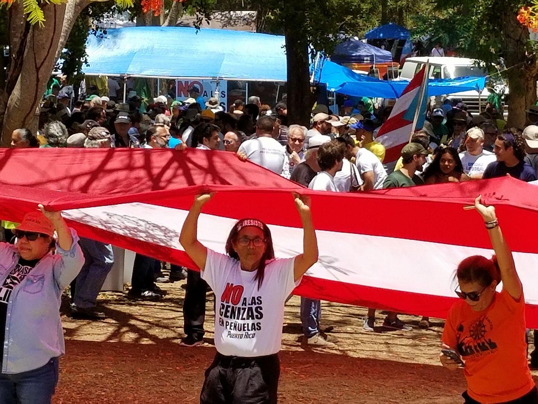 Campamento Contra Cenizas de Carbón. Peñuelas.jpg