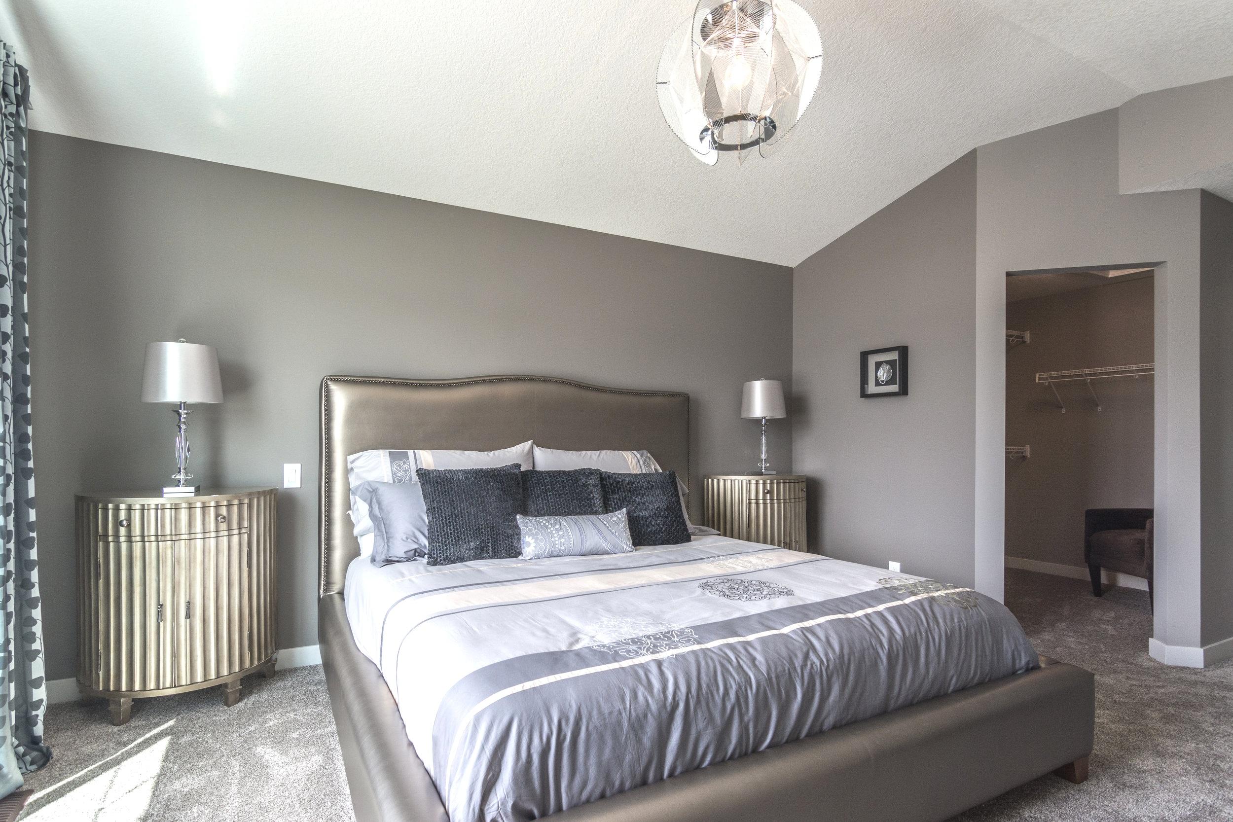 27-master bedroom 6-1714.jpg