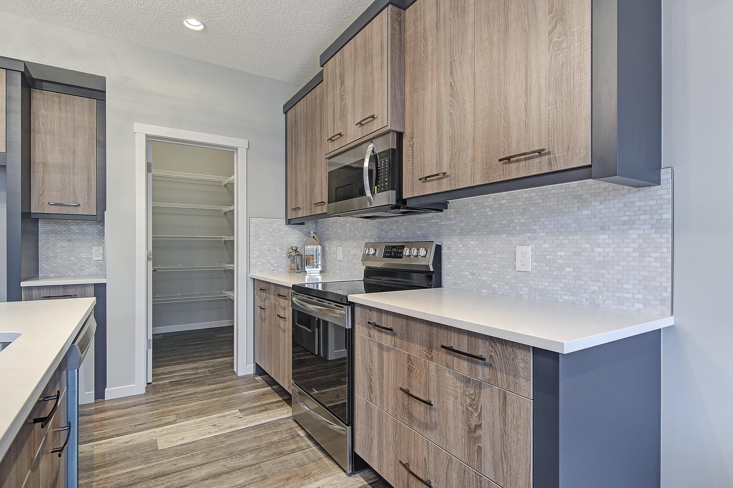 10-main kitchen 4-.jpg
