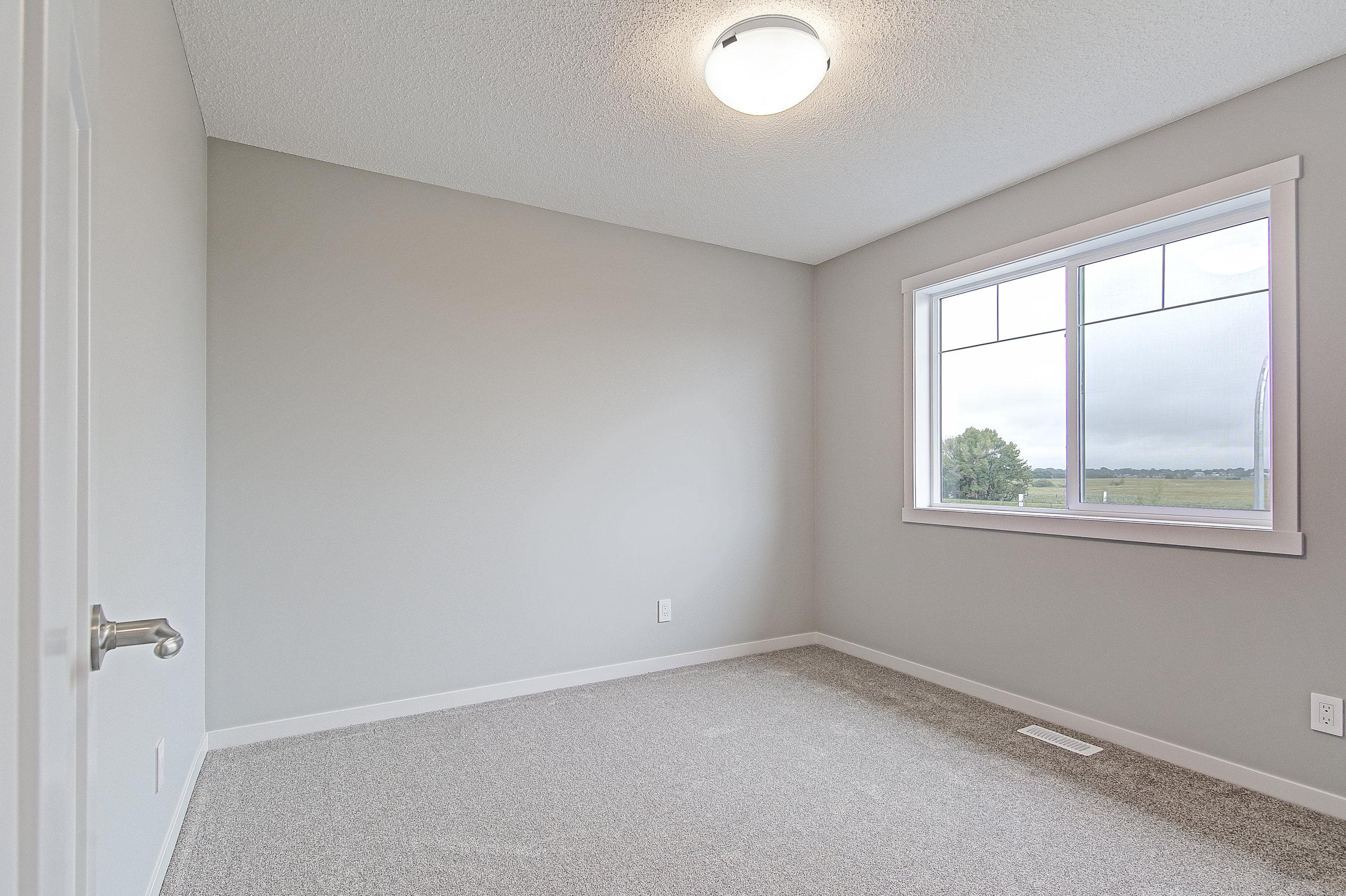 16-upper bedroom 2-1-.jpg