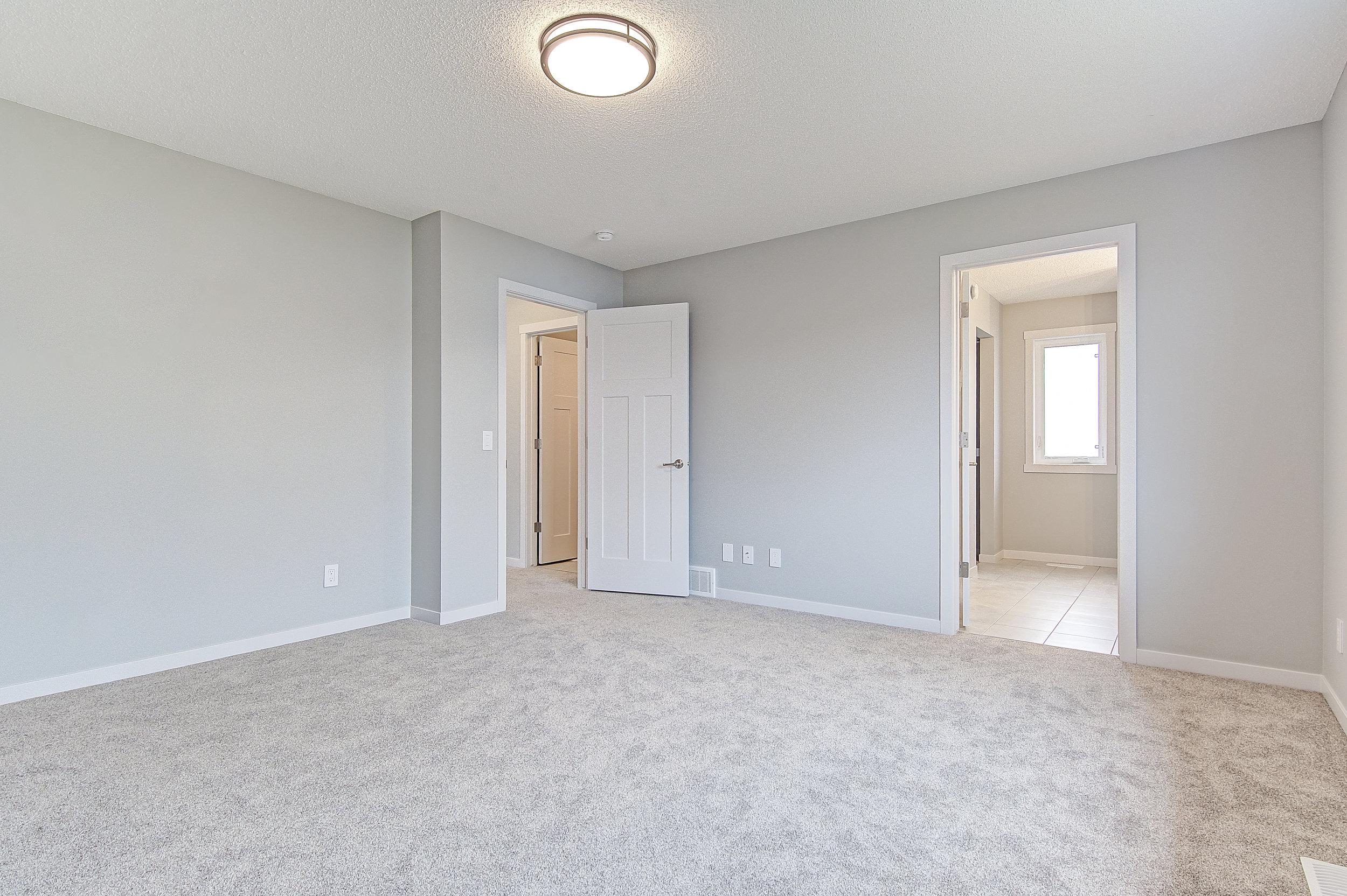 22-upper master bedroom 2-.jpg