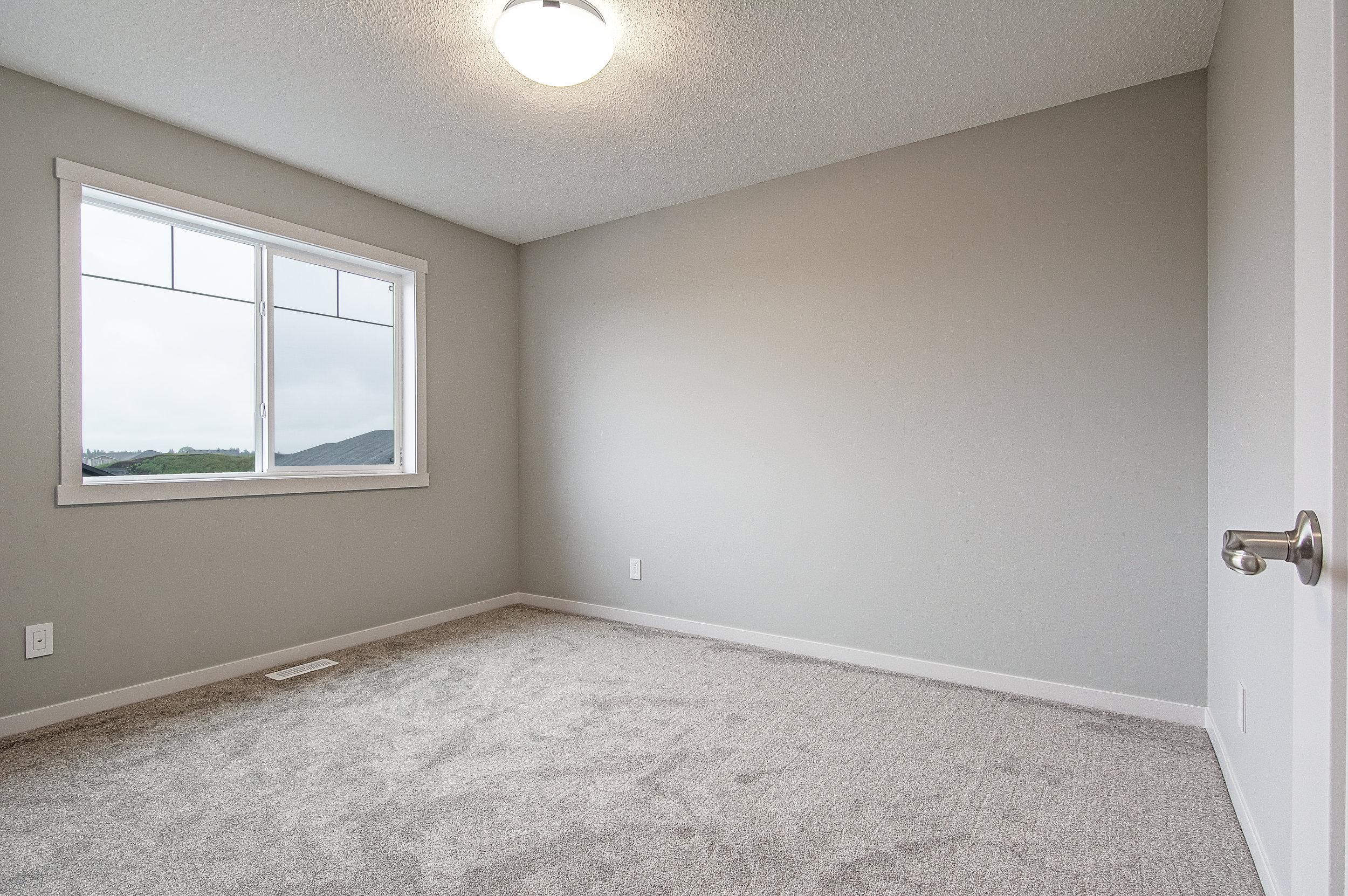 19.1-upper bedroom 3-.jpg