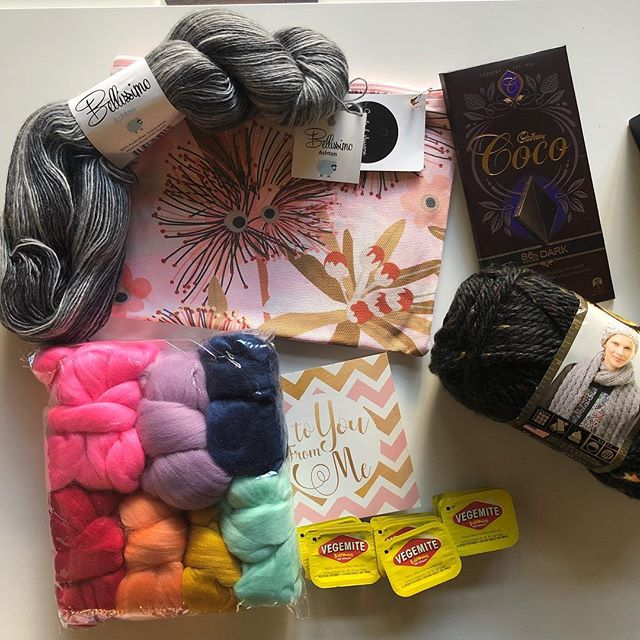 JUST before I walked out the door for a long weekend away, my #fibreshare goodies arrived after their long journey from Australia. THANK YOU @thesleepyweaver!!! I absolutely love every single thing AND I'm thrilled to have a new fiber friend 🤗😘