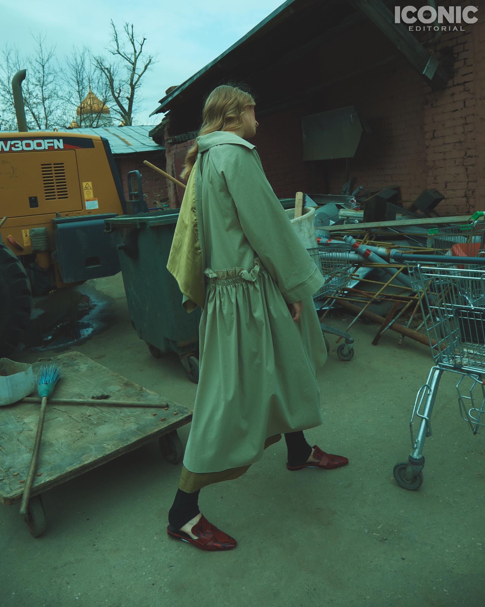 4/15  Cape |  @lenamaksimova.brand  Dress | Muss Mule |  @rosbalet   © Alej Fernández