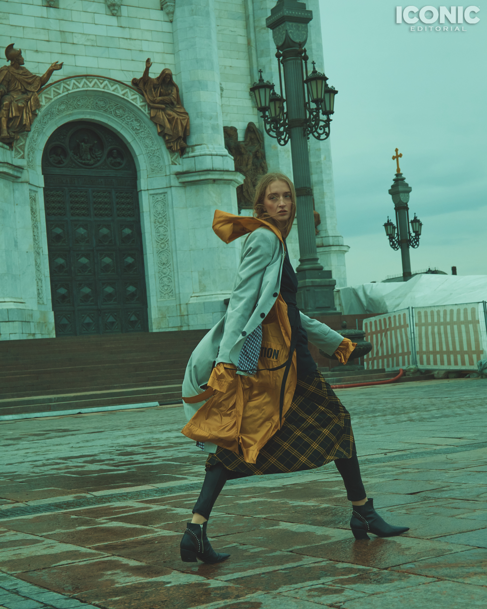 15/15  Jacket |  @artemshumov  Sweater |  @pingpongclubmoscow  Cape |  @crimescene_official  Dress |  @lenamaksimova.brand  Leggins |  @calzedonia  Boots |  @rosbalet   © Alej Fernández