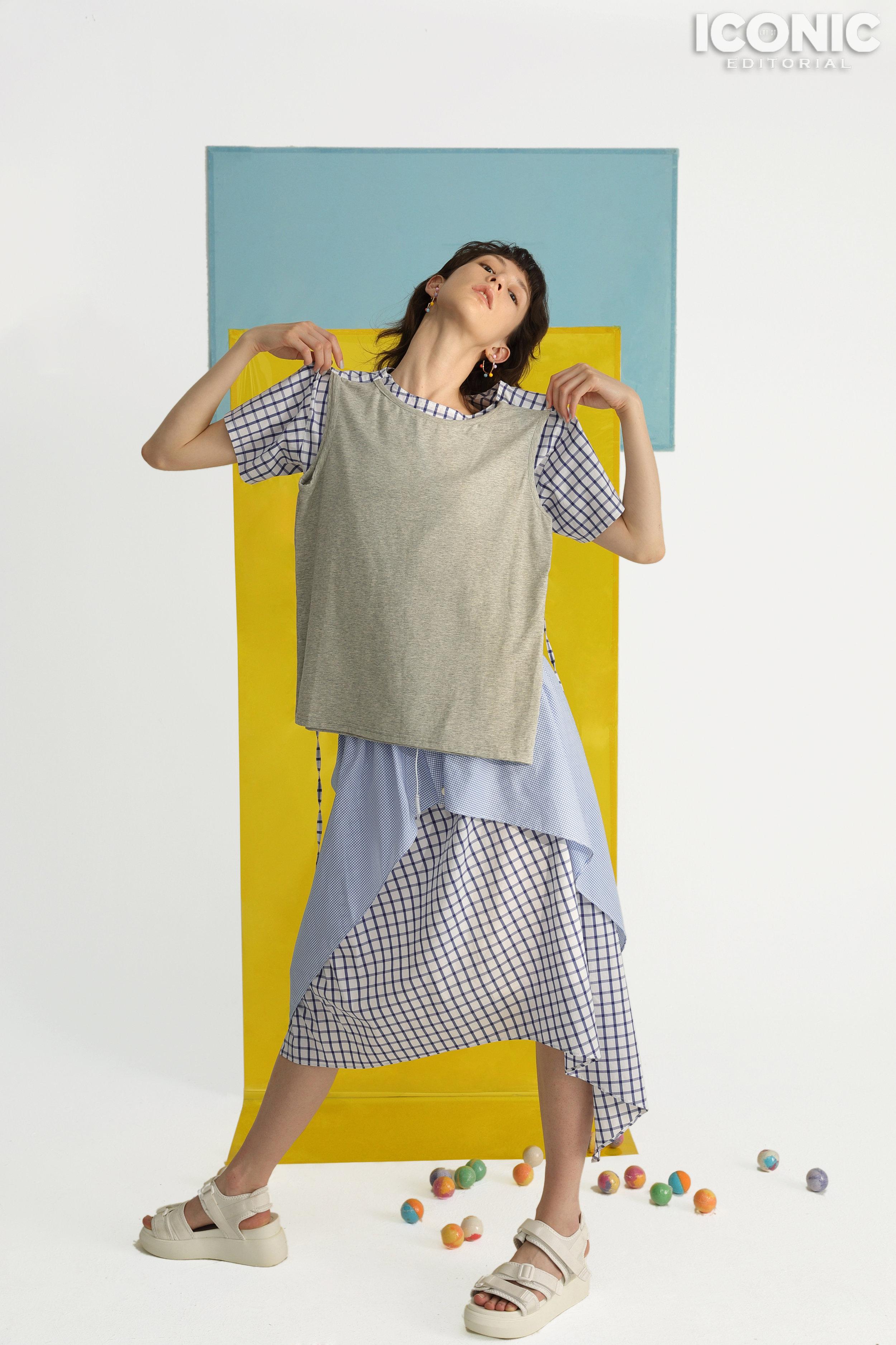 8/8  T-shirt, Blouse & Skirt /  @cj_yao   © Leesin