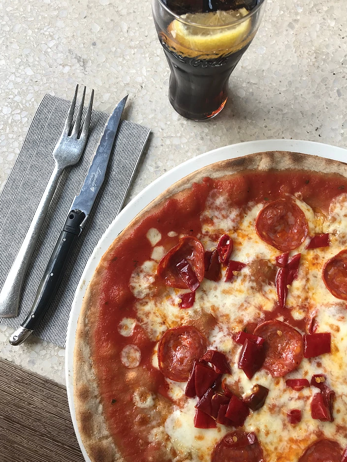 Gluten free pizza? Yes please! Restaurants have gotten better at properly preparing gluten free dishes, including delicious pizza, to make it easier for people to enjoying going out to eat.