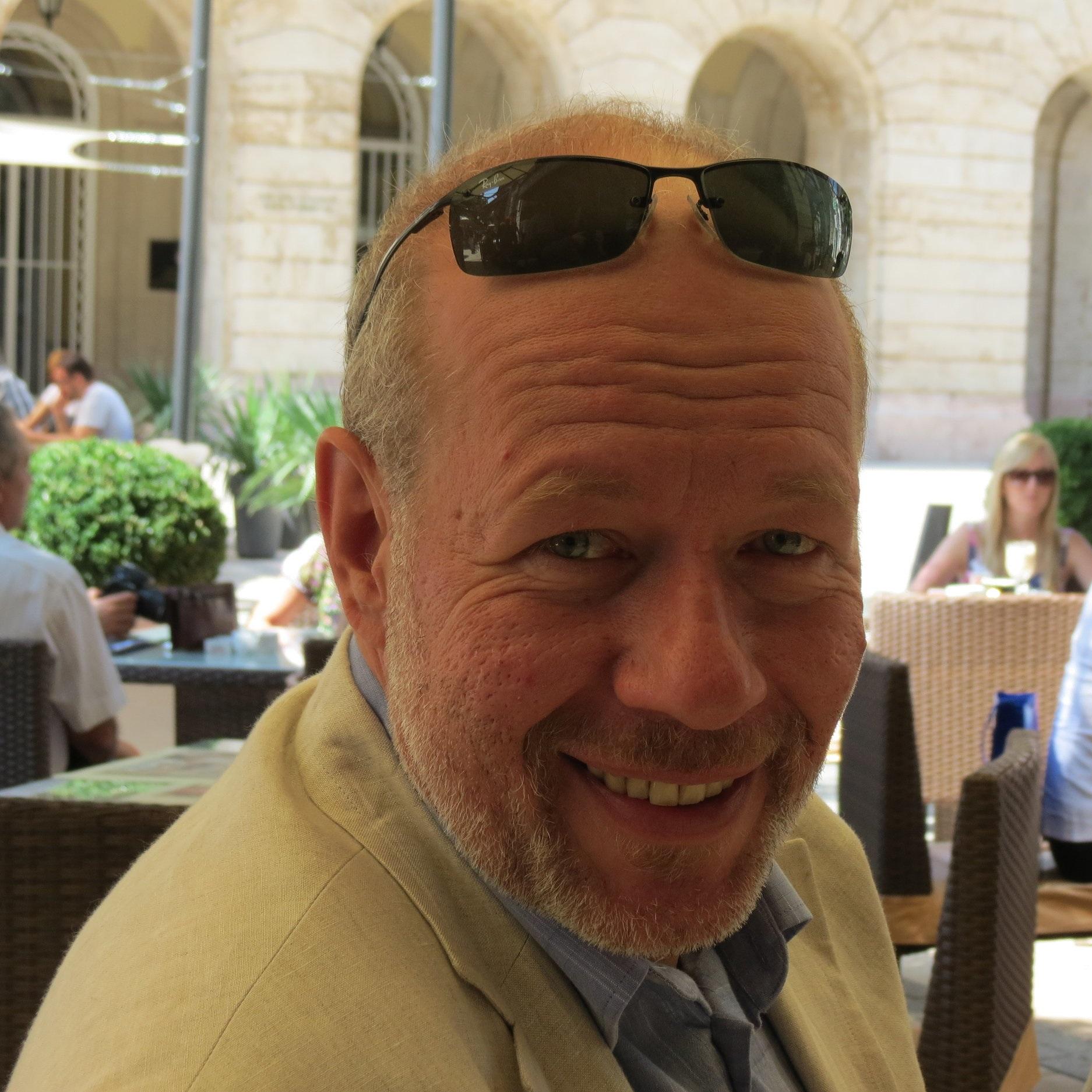 Akos Kozanyi  Sales Director(Europe)