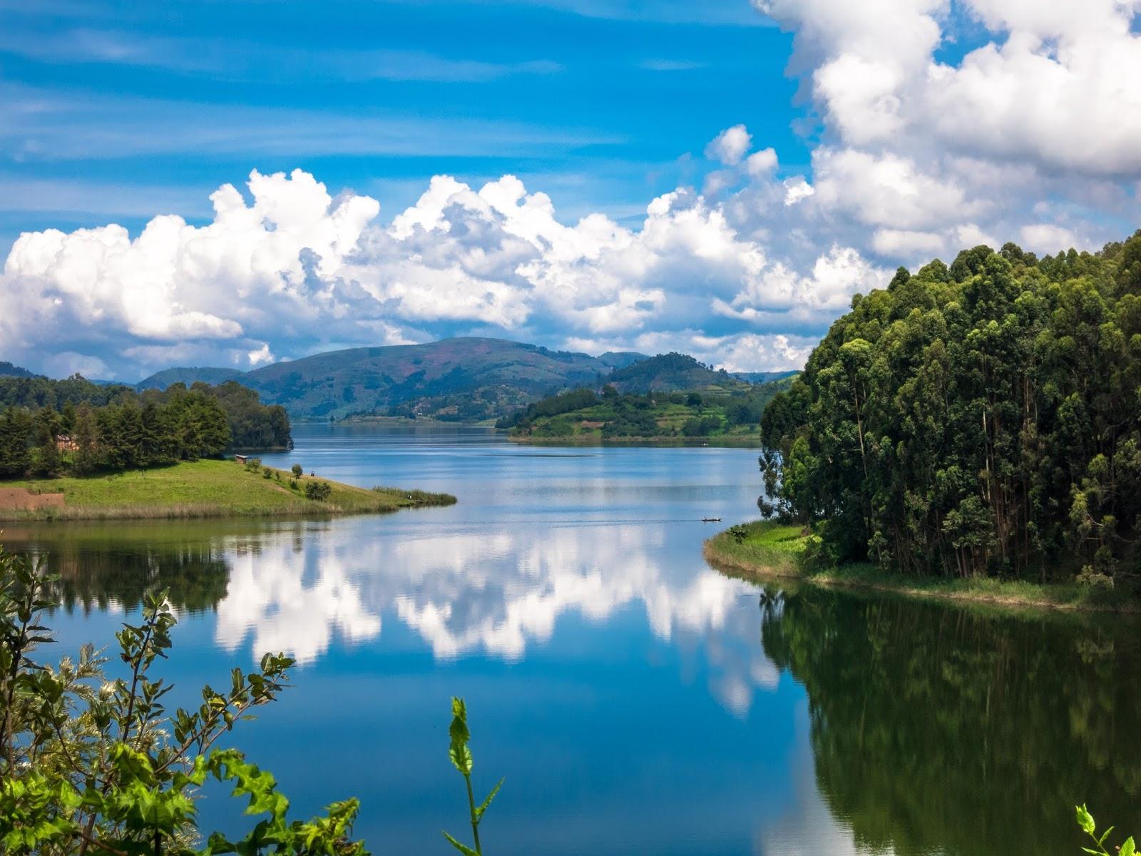 Lake Bunyonyi.jpg