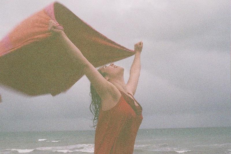 Actress Genie Kaminski's joyful spirit. Photo by Daisy Rickman