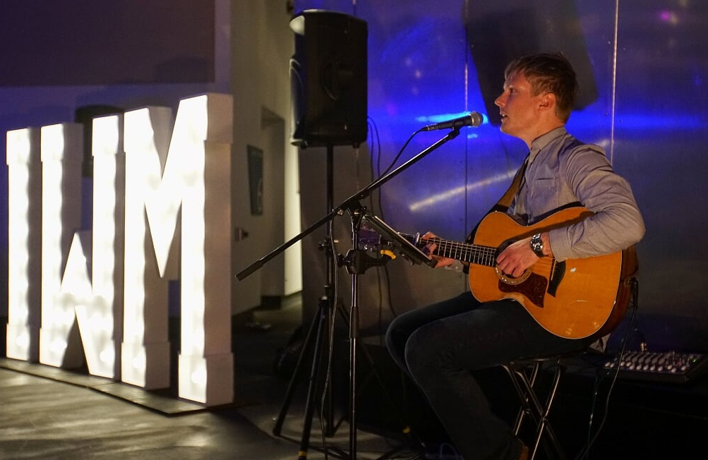 UTC SOLO - These performances consist of beautifully stripped-back versions of popular party favourites. Line-ups include Solos, Duos and Trios, with instruments ranging from voice, piano, guitar, saxophone, double bass & percussion.It comes as no surprise to us that this isone of our most popular packages with our event clients! If acoustic sounds are your thing, this package is a no-brainer for your event…From £490 + VAT