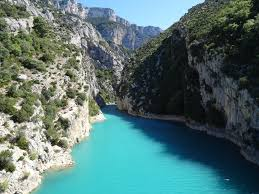 - From here, Nice, Cannes and St Tropez are within easy reach; as are the mountain passes of the southern Alps and the spectacular Gorges du Verdon. Mons is an ideal centre for walking, cycling or touring the rural heart of the Haur Var.