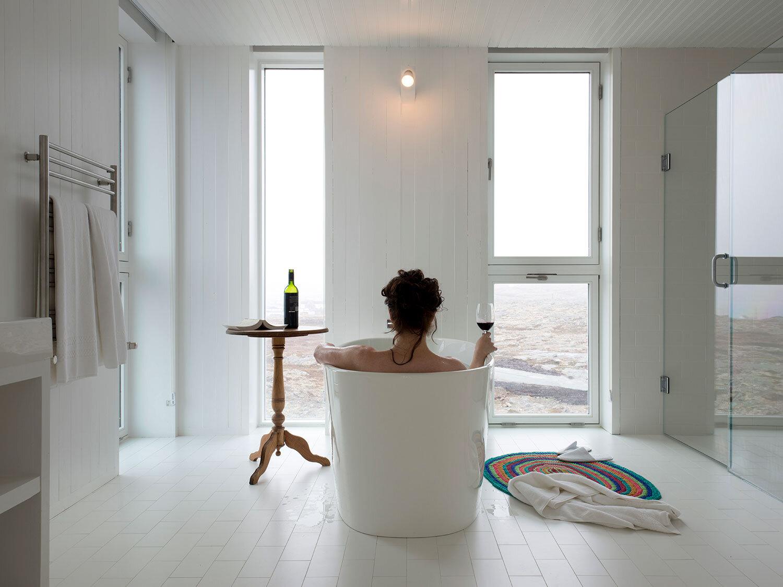 15-FogoIsland_Rooms_3463_original_AlexFradkin.jpg
