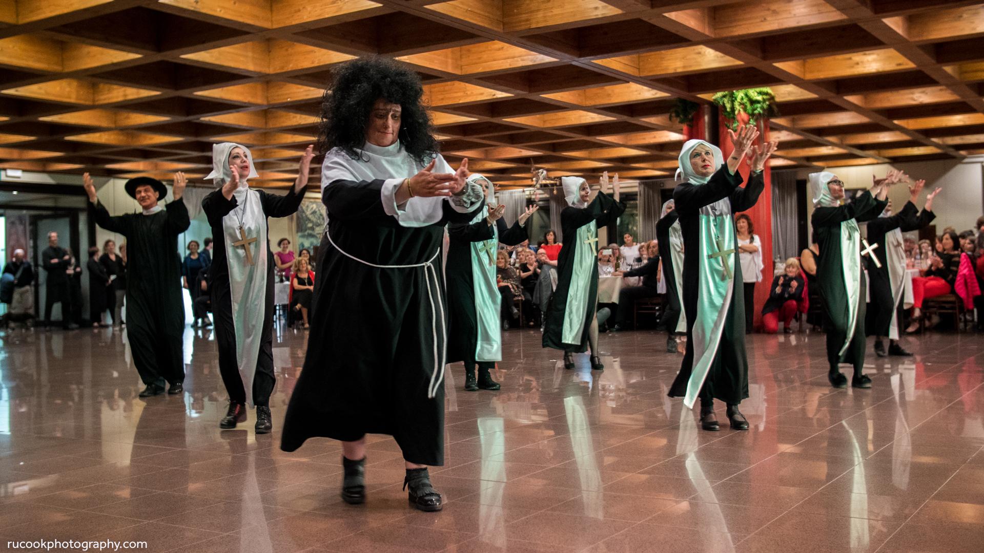 Line Dancing Nuns & Priest - Italy