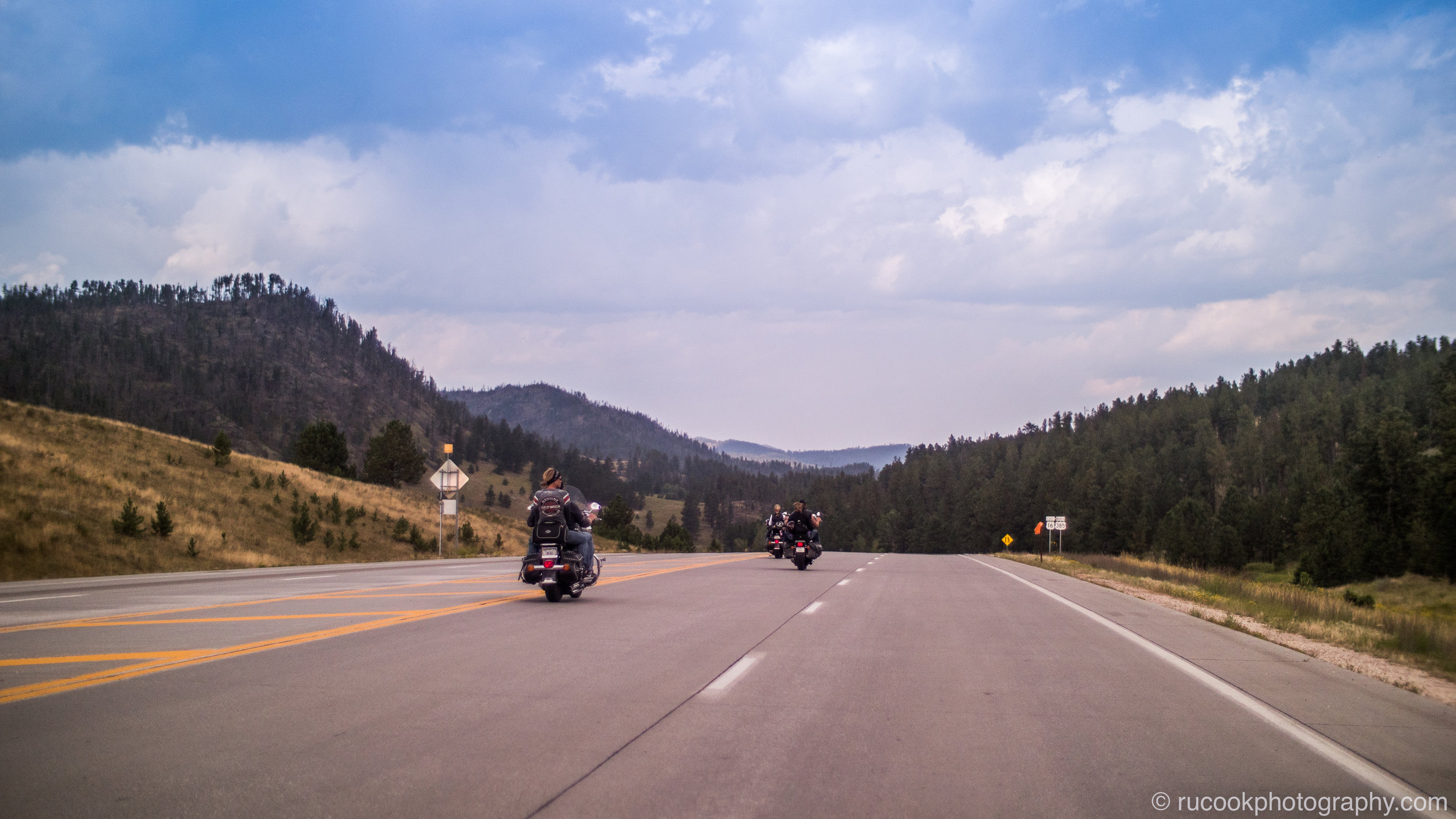 Bikers heading for Mount Rushmore