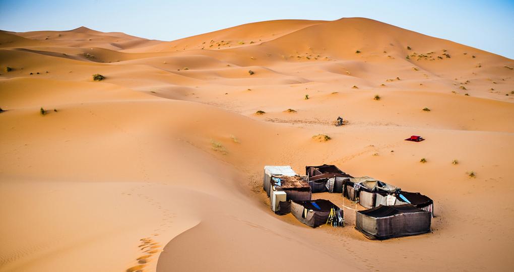 berber_camp_in_the_sahara_desert_1.jpg