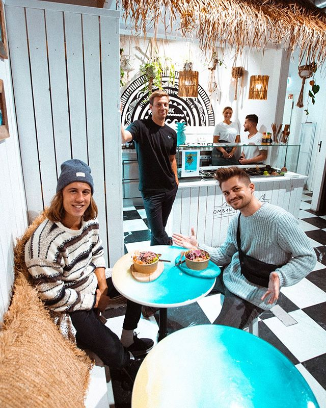 OH YEAH! FRESH BALI VIBES IN HAMBURG 🏝 check out our Insta Story for more ☀️🌊 @ombak.bowls #wearebirds | 📸 @philma.pictures
