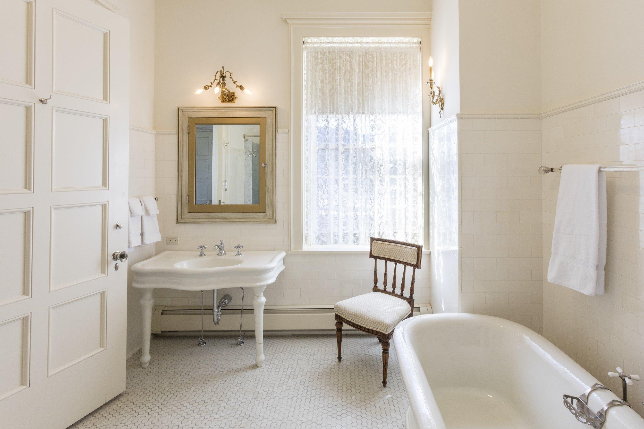Casa Grande Washroom