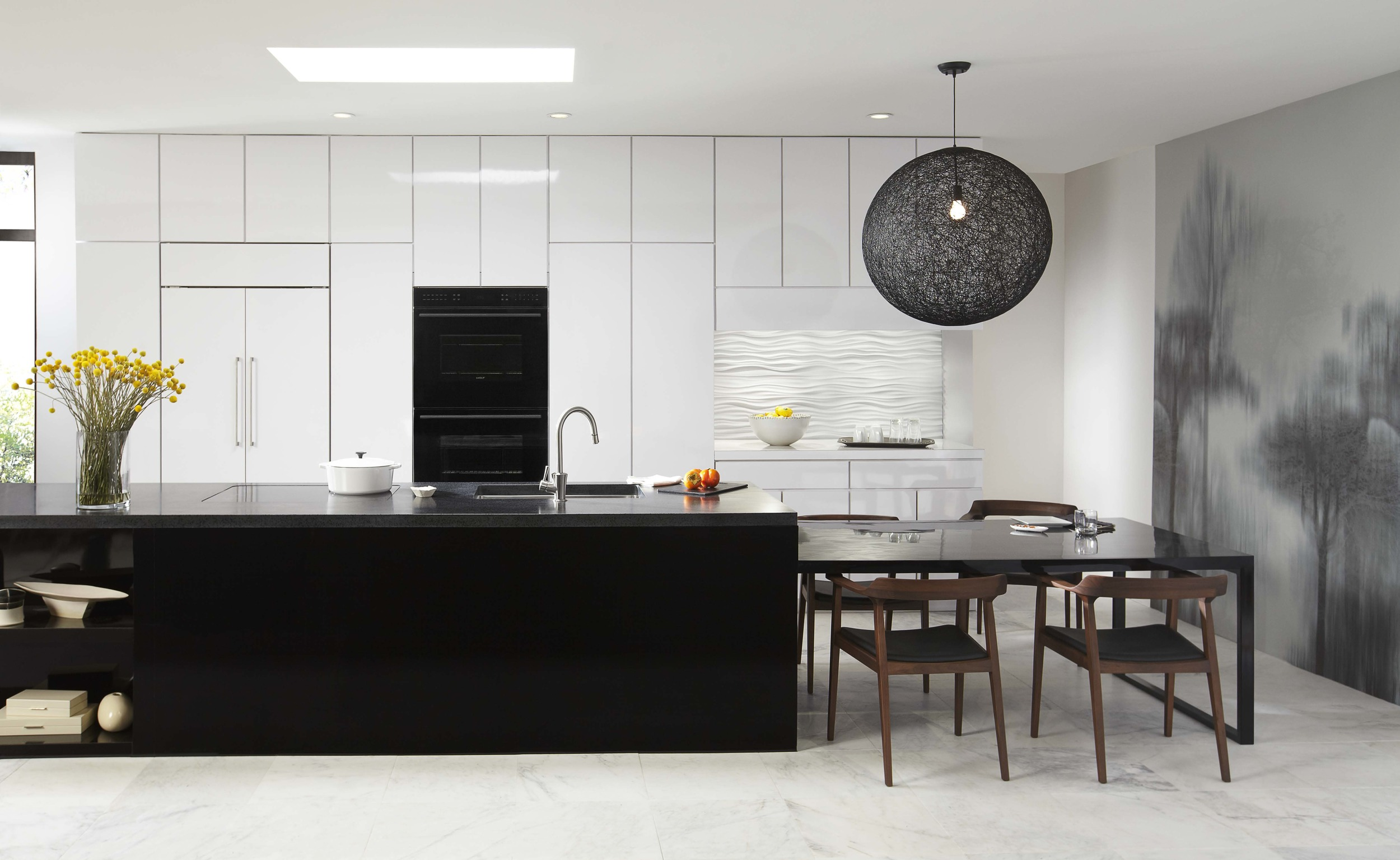 Sub-Zero-Black-and-White-Kitchen.jpg