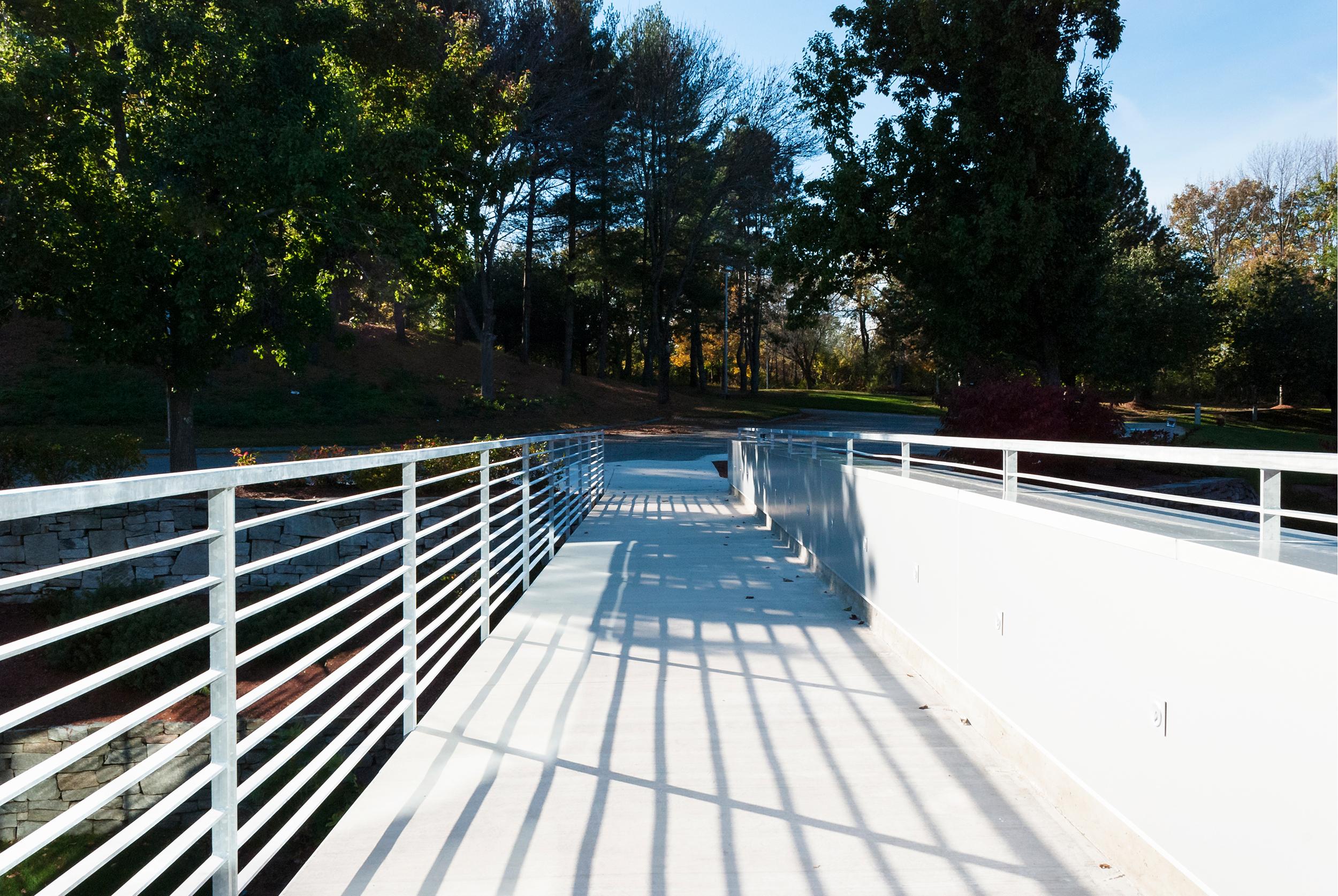 007_1 Radcliff Road - Footbridge.jpg