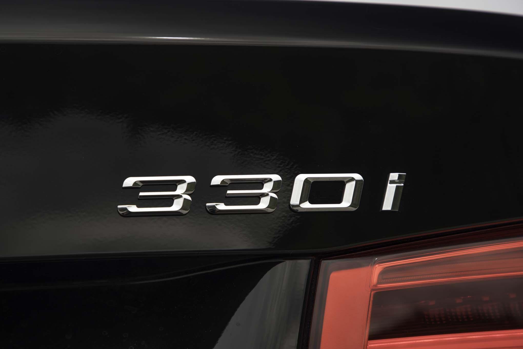 2017-BMW-330i-badge.jpg