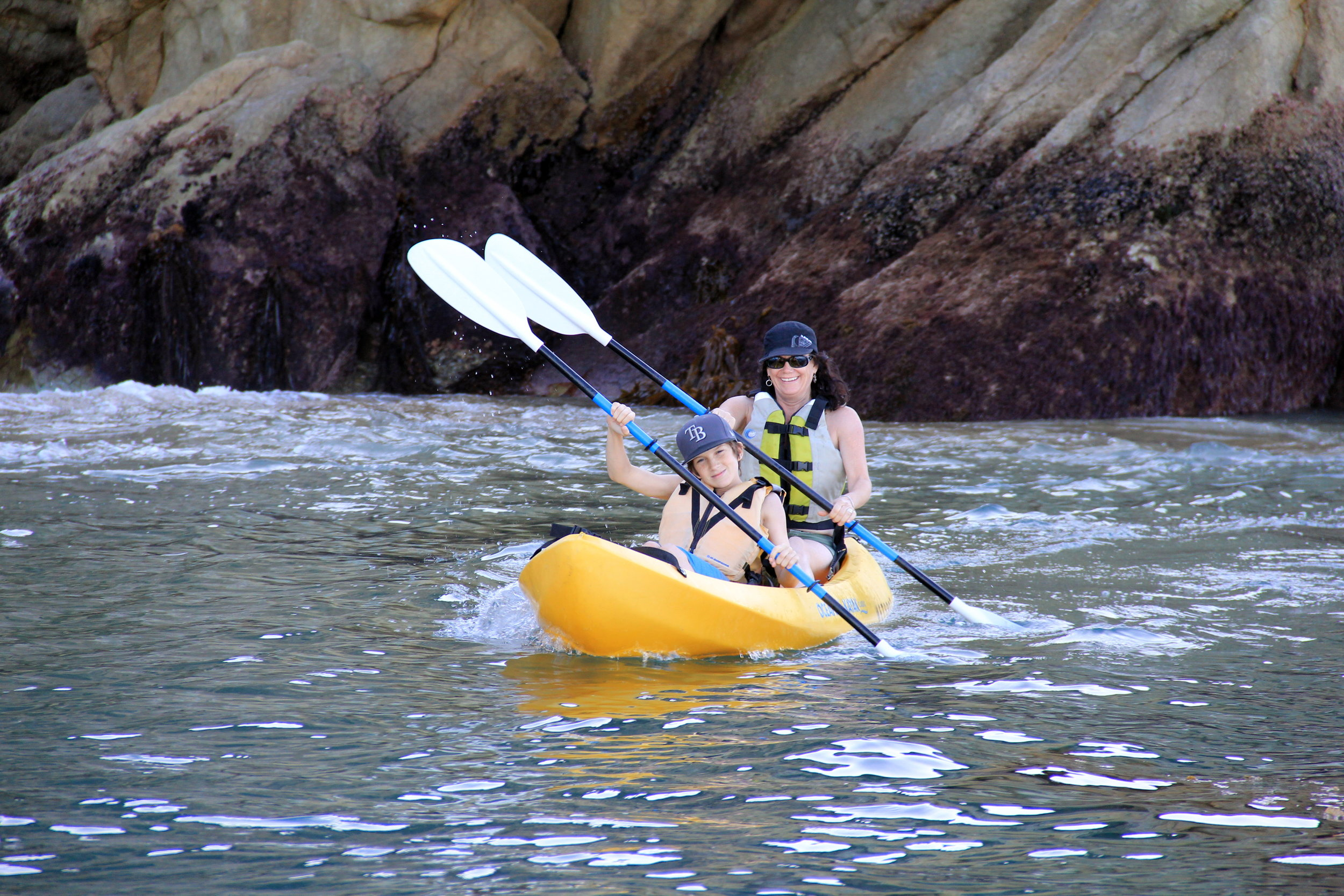 avalon kayak rentals - Paddle over kelp forests and colorful Garibaldi, easy and fun for the whole family. Sit on top OCEAN KAYAKS are user friendly and require no prior experience. Rental includes instruction, life vest, backrest and paddle.