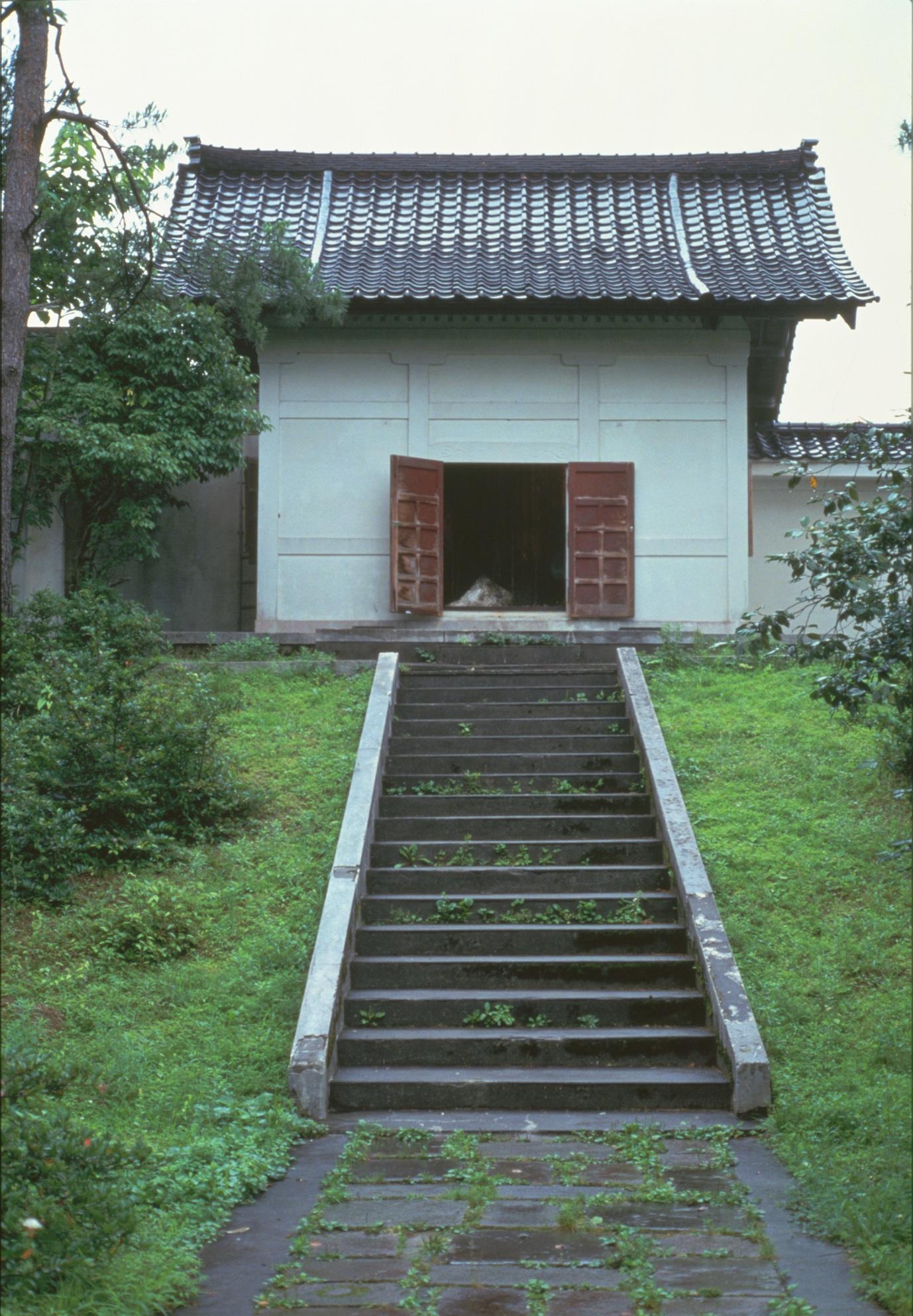 Memento-Mori-1992-001.jpg