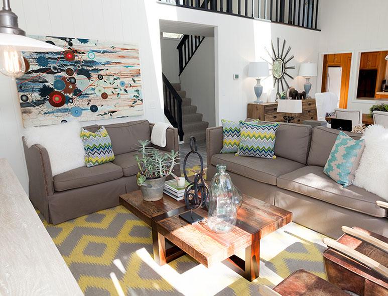 Artist: Heather Patterson Designer: Lisa Bakamis Interior Design