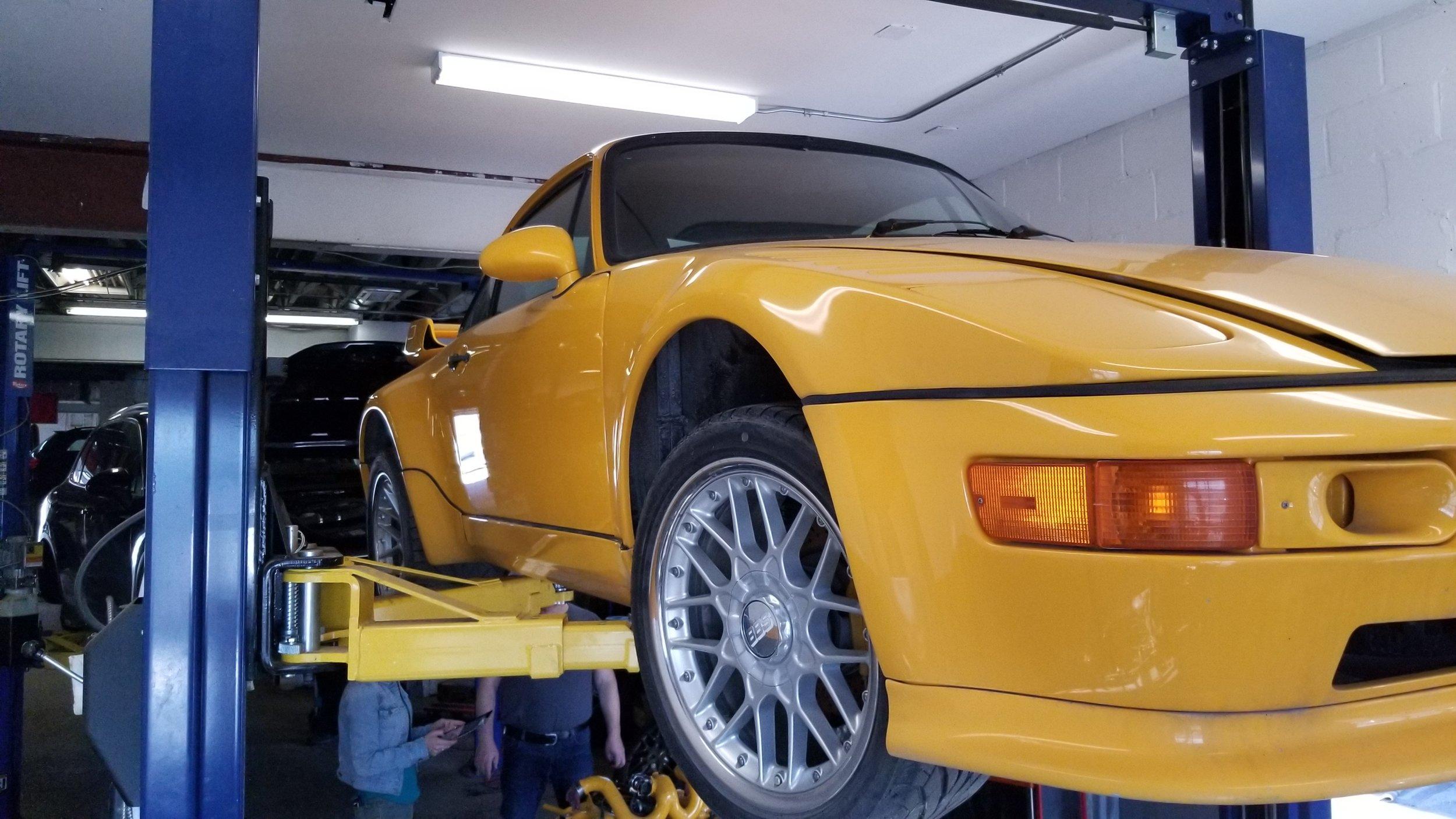 G TEK Auto 1984 Porsche Yellowbird  (12).jpg