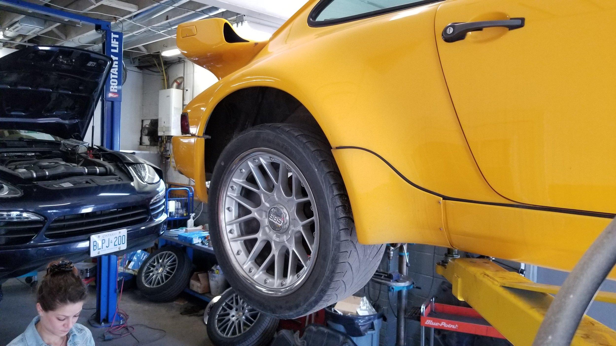 G TEK Auto 1984 Porsche Yellowbird  (13).jpg