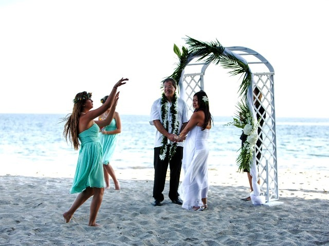 hawaiian dancer Ebejer wedding