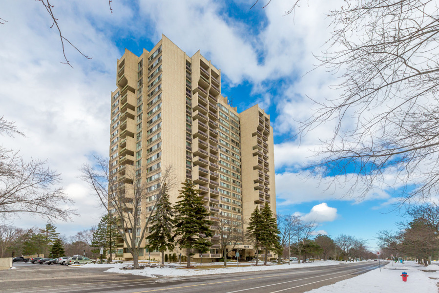 $549,000 - Gorgeous two bedroom, two bathroom condo, totally renovated!