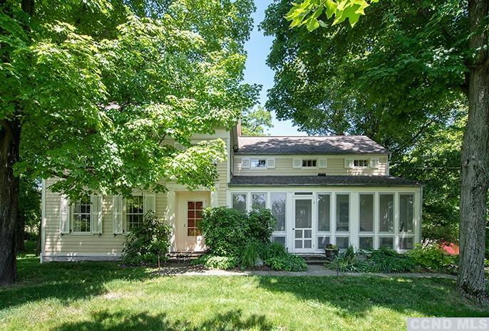 Listing courtesy of Gary DiMauro Real Estate