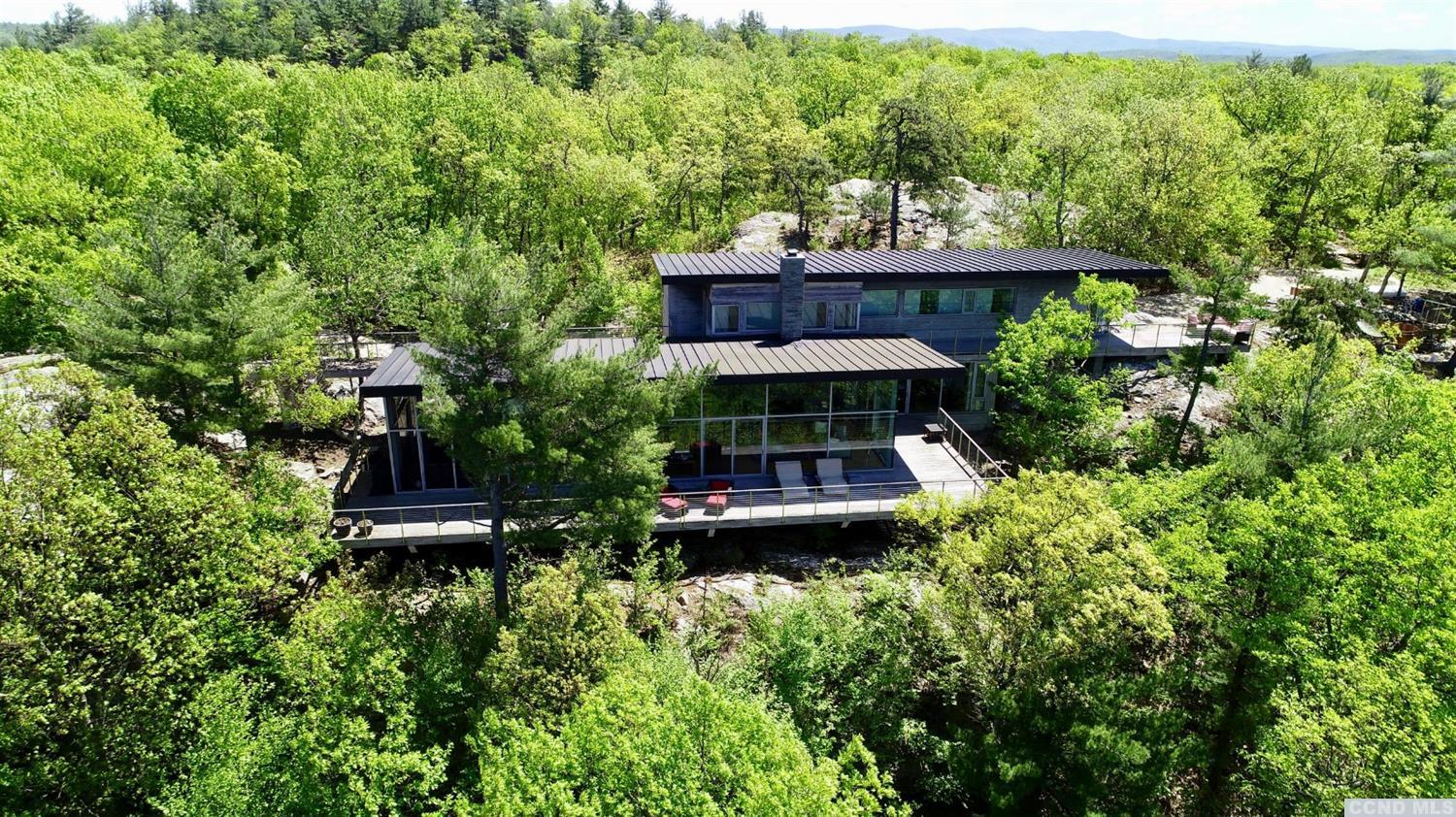Listing courtesy of Heather Croner Real Estate Sotheby's International Realty