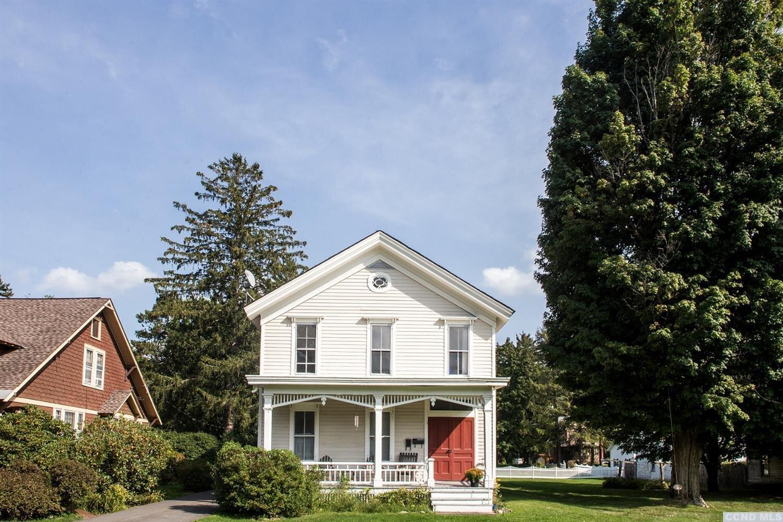 Listing courtesy of Nicole Vidor Real Estate