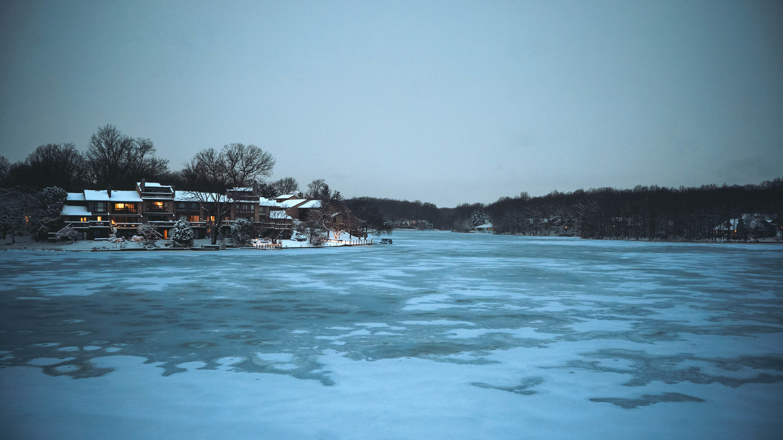 House+by+the+lake.jpg