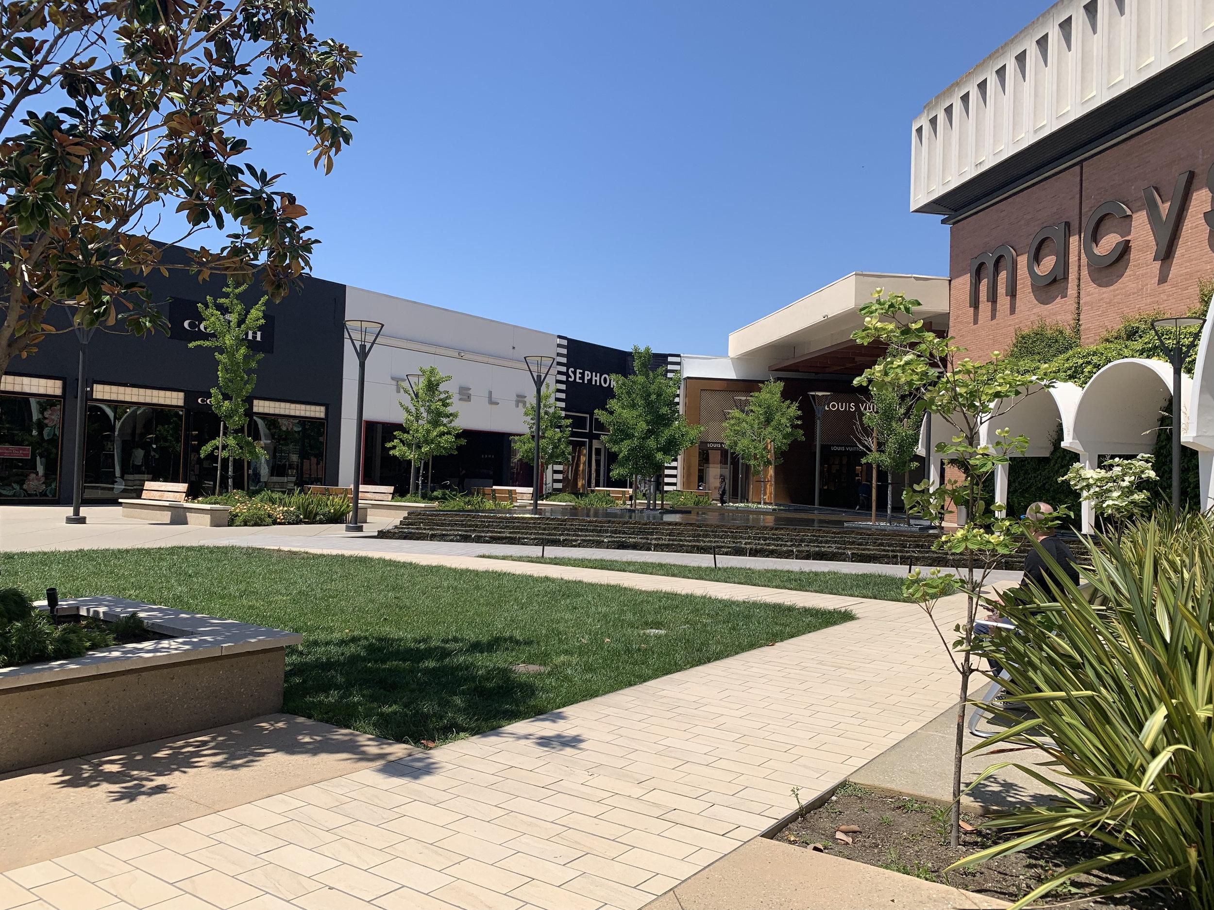 Stanford Shopping Center Macy's.jpg
