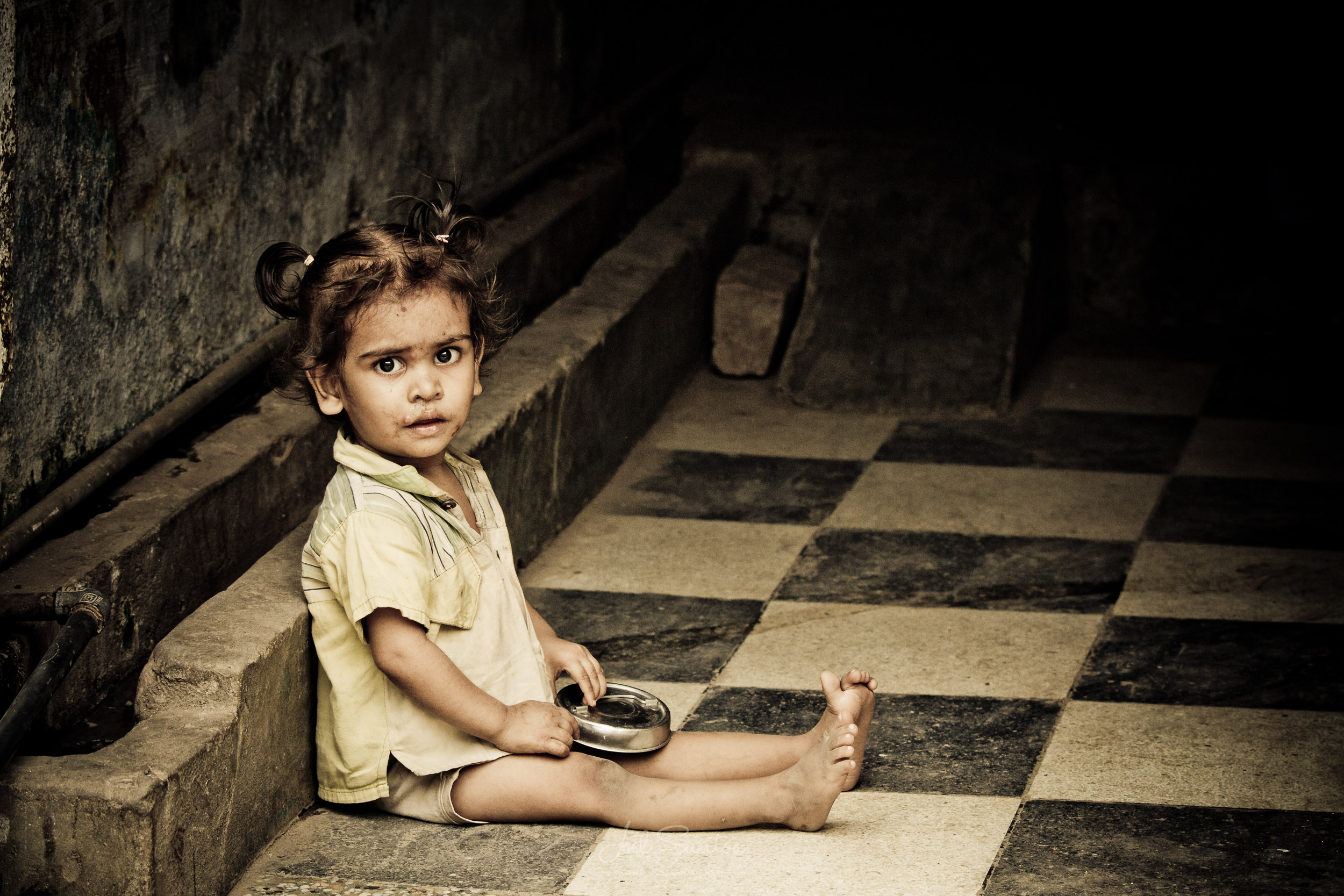 Indian Girl on chess floor, Jaipur, India