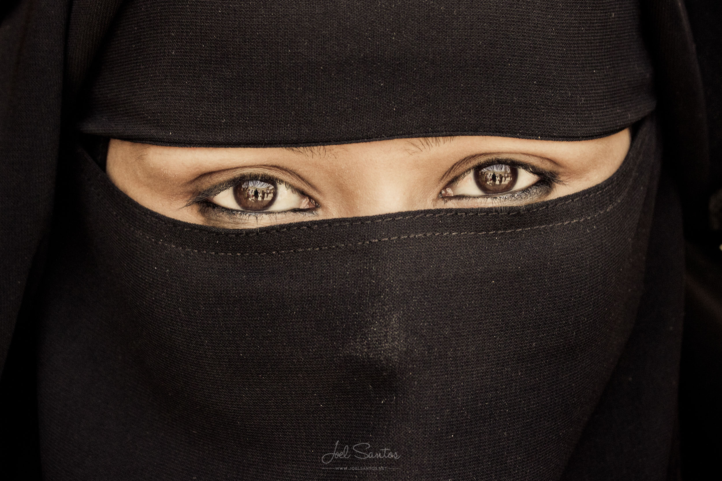 Veiled eyes, Ajmer, India