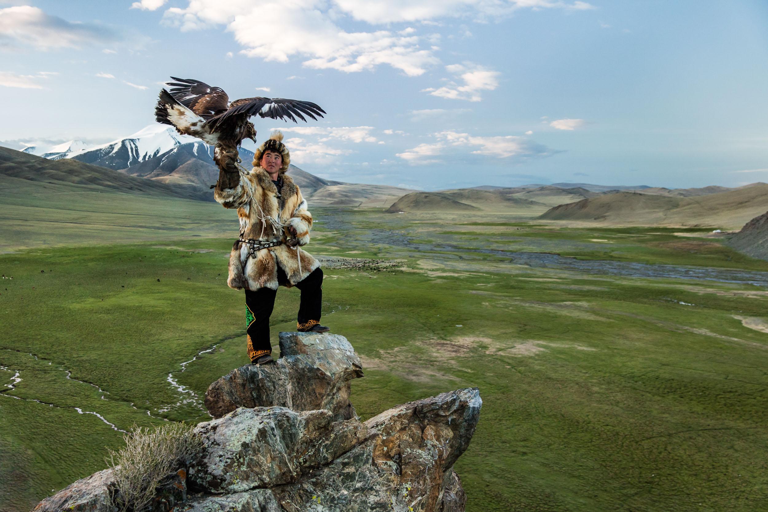 NOMAD HUNTERS - Eagle Hunters, the Tsaatan (Reindeer people) and KAZAKH Nomad MIGRATIONS