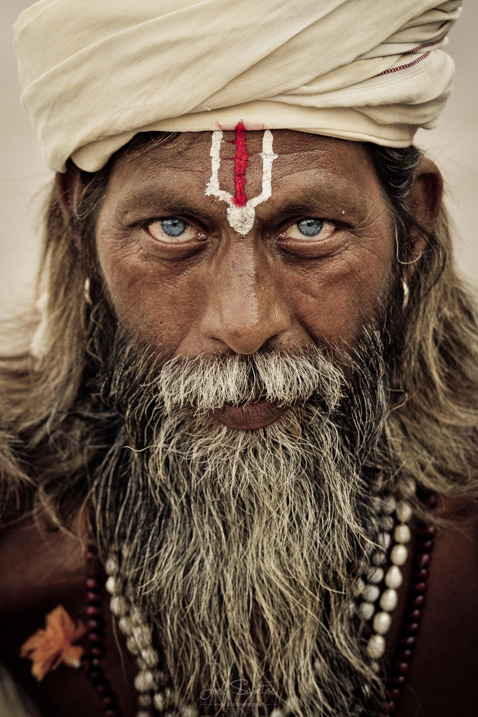 Blue eyes, Sadhu (Holy man), Varanasi, India