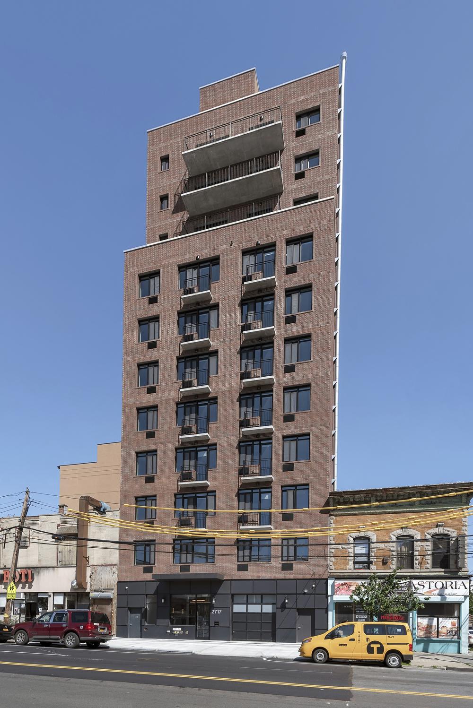 MDS_27-17_21st_Street_Astoria_Penthouse_-_15_Photos_13_20190625-054401.jpg