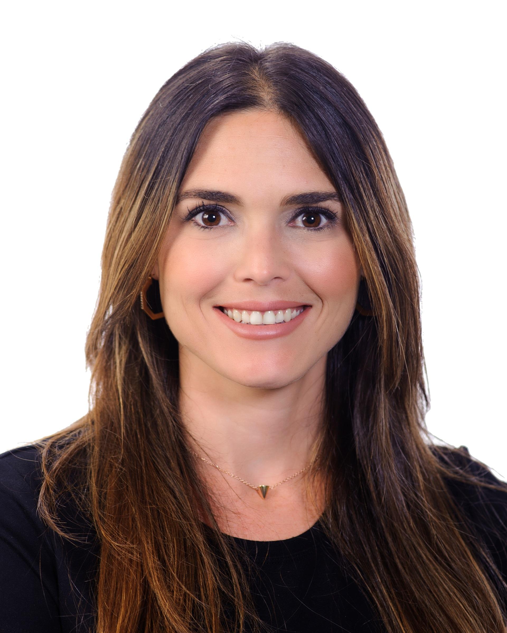 Alina Segura   Asset Manager