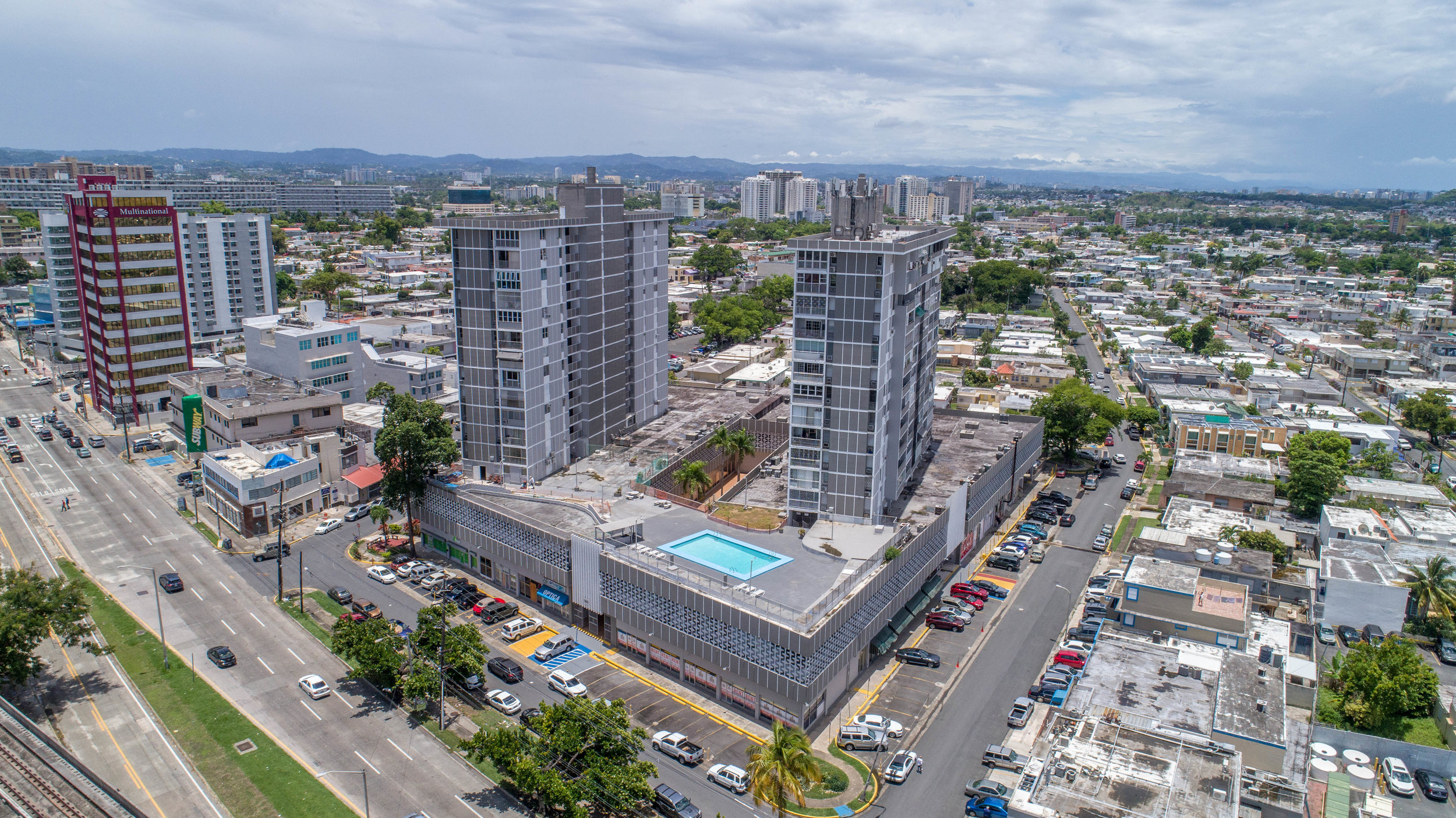 17 STORY / 162 APARTMENTS, OFFICES & STORES