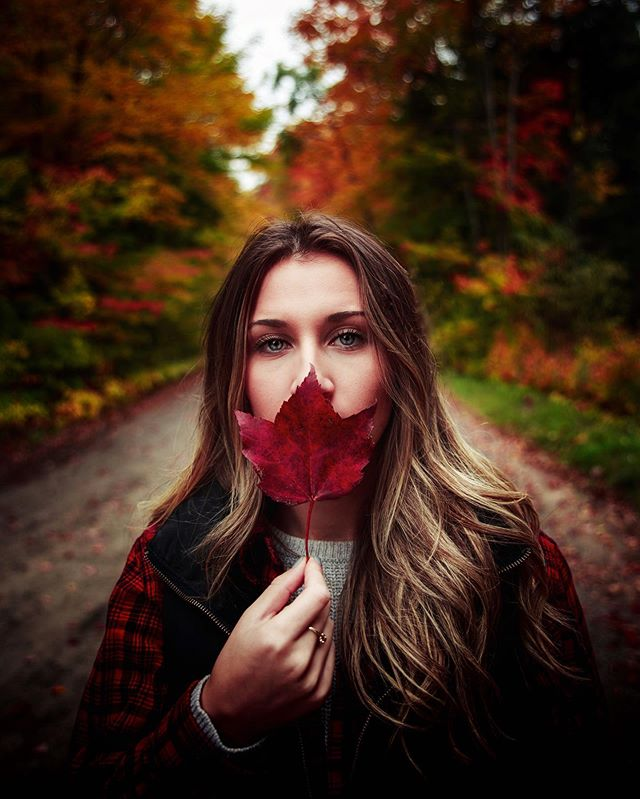 Are any two leaves ever the exact same or is every leaf unique? 🍂🤔 • • • • • • • #fall🍁 #fallseason #fallvibes #bleachmyfilm #bleachfilm #fallisintheair #portvision #earthoutdoors #nomadict #outside_project #autumnvibes🍁 #opticbangerz #discoveron #staywild #greettheoutdoors #getoutstayout #findyouradventure #amongthewild #hikingadventure #wearestillwild #stayandwonder #fallphotography #fallportraits #leaveschanging #mthrworld #bravogreatphoto #portraitstream #portrait_vision #portraitvisuals #creativeportraits