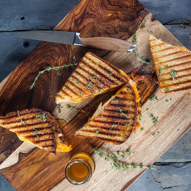 Our 100% Whole Wheat bread is a healthy, nutritious foundation for this Apple, Cheddar, and Bacon Panini with Honey and Thyme.