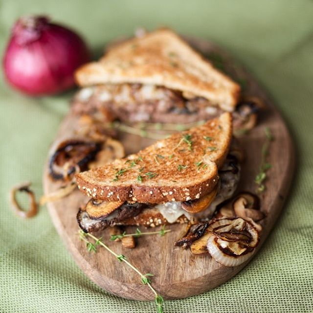Gliding into October with a delicious and warm Patty Melt! Savory and warm and absolutely perfect for cozy fall nights.