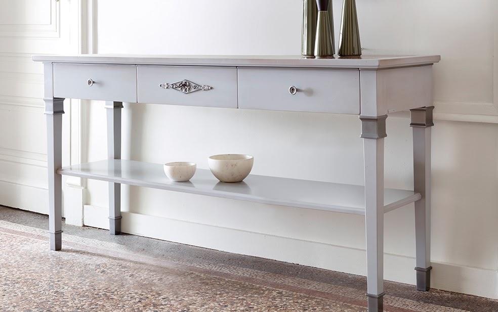 Grange konzolok - Falainkat sokszor egy-egy hosszan elnyúló, a falhoz simuló konzol asztallal is tagolni tudjuk, A bútor mélysége nem vesz el sokat a térből, szép tárgyakkal, vagy fölé helyezett képpel, tükörrel, falikarral egy jól megkomponált fal lesz az eredmény! Számtalan Grange bútor család kínál szebbnél szebb konzol asztalt! Nézz körül nálunk!